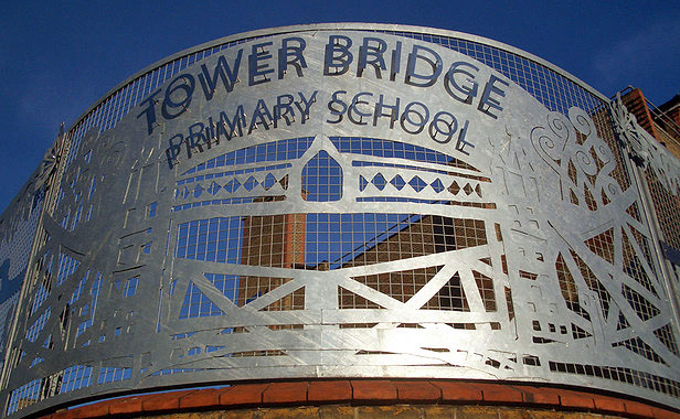 Tower Bridge Primary - Rolled corner panel depicting Tower Bridge